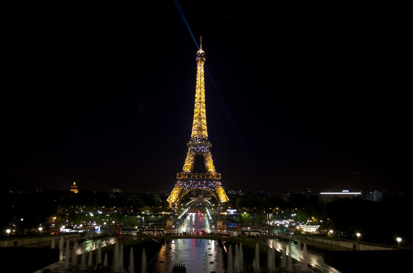 Eiffel Tower evening light show paris